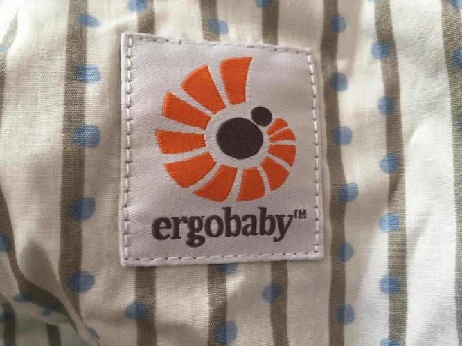 エルゴ抱っこ紐ロゴ2